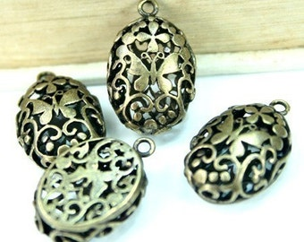 Filigree Charm Drop Oval 3D Antique Brass  Victorian Butterfly - 4pcs