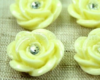 Resin Sparkling Rose Flower Cabochons 20mm - Butter Cream - 4pcs