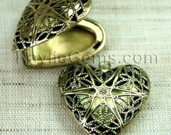 Filigree Heart Locket Antique Brass Victorian Style   - LKRS-L14AB - 2pcs