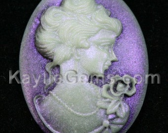 Cameos 29x39mm Shimmery Antique Victorian Lady Portrait - Light reflection Purple Shine - 2pcs