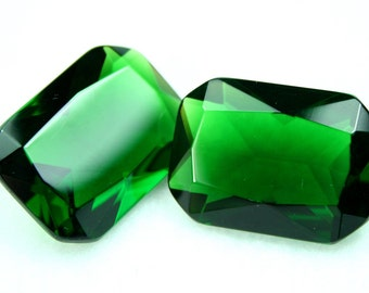 Glass Jewel Octagon 18x25mm Faceted Diamond Cut Pointed Back Unfoiled -Chrome Diopside BG132 - 1 pc