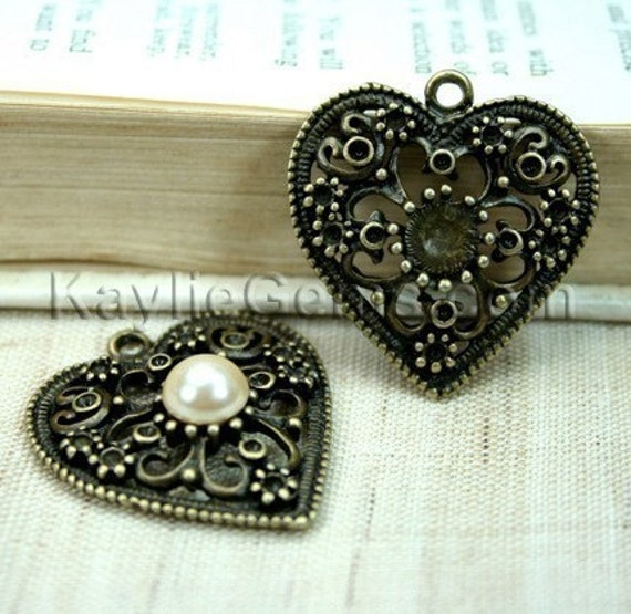 Heart Pendant Rhinestone Setting Frame Antique Brass Victorian Filigree Embellished  -FRM-2676AB - 4pcs