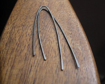 minimalist earrings in grey niobium. hypoallergenic earrings. modern niobium earrings. splurge.