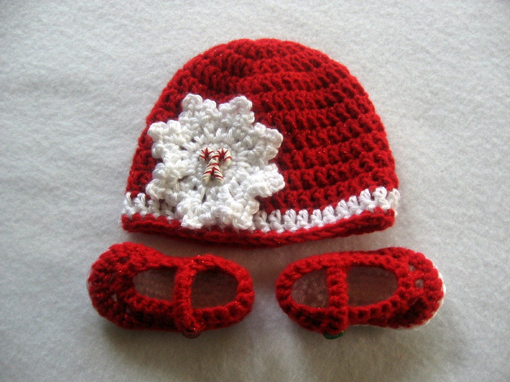 Crochet Baby Christmas Hat & Mary Jane Shoes 0-3 Months