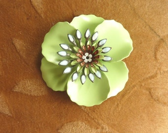 Vintage enamel metal flower bead, green poppy,58mm