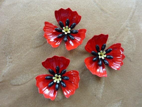 Vintage metal enamel flower bead, poppy red, yellow, 32mm, 2 sets