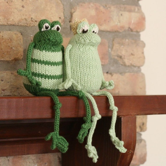 Knitted Frog Pattern : Frog Prince Plain or Fancy PDF Knitting Pattern