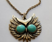 Teal-eyed owl necklace