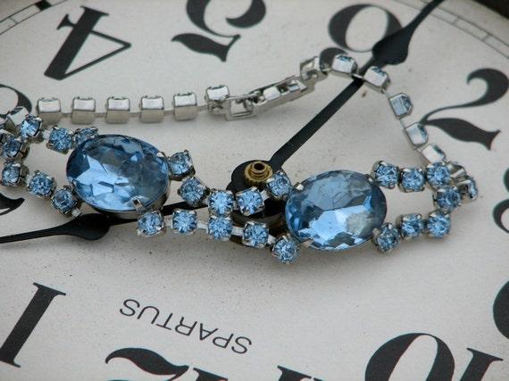 Vintage 50s 60s glam deco blue gems rhinestone silvertone bracelet