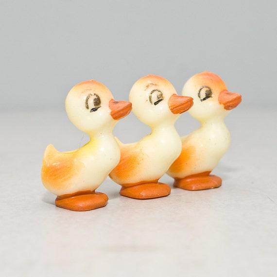 Vintage Tiny Cute Ducks