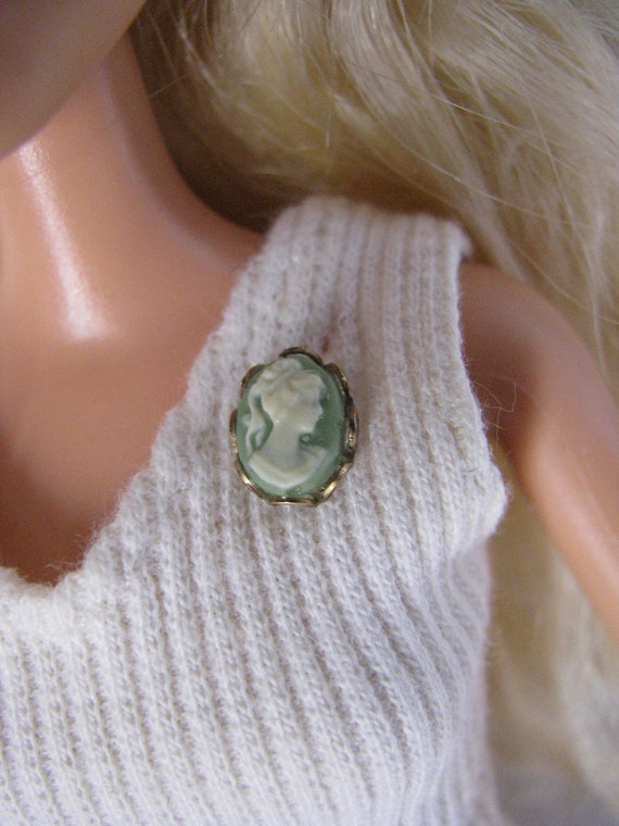 Green and Gold Cameo Brooch Pin  Doll Jewelry Barbie Fashion Royalty Blythe Tonner