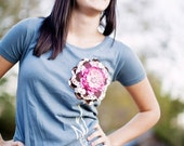 Organic Scoop Neck Woman's Tee with interchangeable Bella Donna flower clip