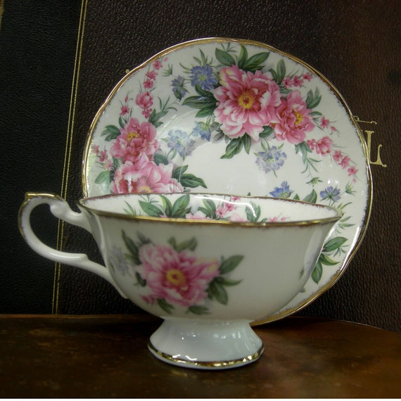 beautiful english bone china tea cup and saucer allyn nelson. Black Bedroom Furniture Sets. Home Design Ideas