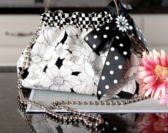 PDF Download of The Interchangeable 1 Bag Purse DIY Sewing Pattern - (#105X)
