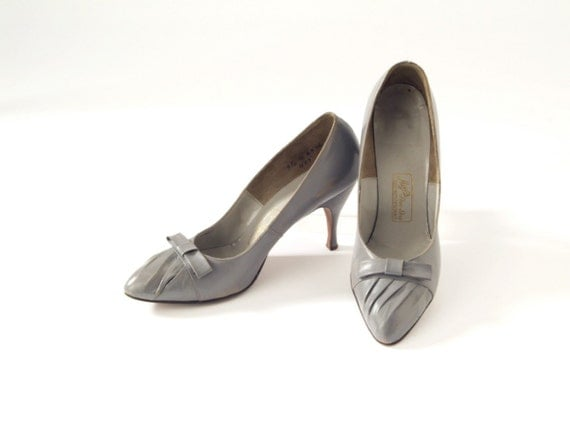 Dove Gray with Bows 1950's Stilettos