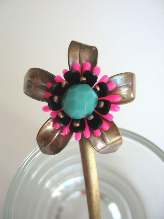 Flower bobby pin no.8