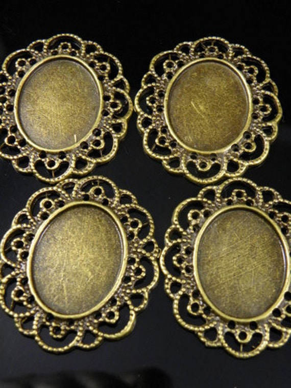 4 pcs - Antique Bronze Cameo Frame, Cabochon Settings 23x18mm inner surface, 41x35mm total