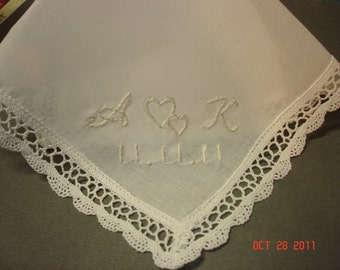 Wedding handkerchief/hearts intertwined/ simply elegant/hand embroidered/ecru on ivory, bouquet wrap, wedding colors welcome