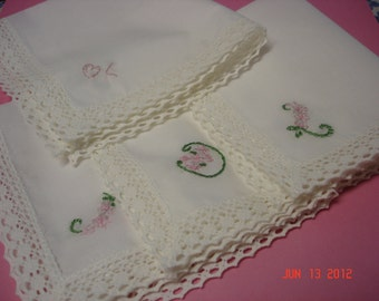 Wedding handkerchief, bridesmaid gift, bouquet wrap, SET OF 3, daisy, hand embroidered, wedding colors welcome