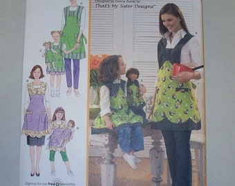 New Simplicity Apron Pattern 3746, Mommy, Me and Dollie (Free US Shipping)