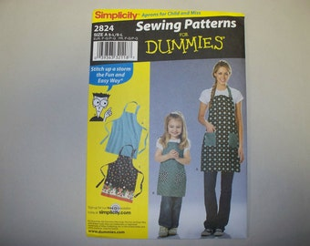 New Simplicity Apron Pattern 2824, Mommy and Me.  (Free US Shipping)