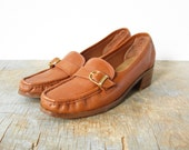 70s leather oxfords / 1970s loafer shoes / caramel / 8