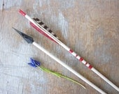 vintage wooden arrows / black and white arrows with hilbre razor points