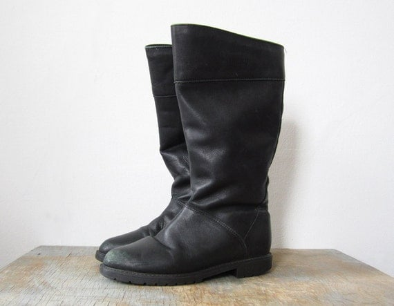 SALE vintage black boots / 80s distressed flat boots / 7.5
