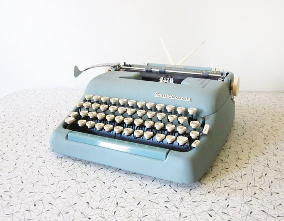 1950s blue smith corona typewriter / super silent typewriter with carrying case