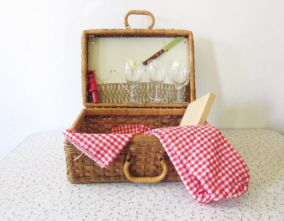 RESERVED until 5/29  vintage picnic basket / wicker picnic basket set