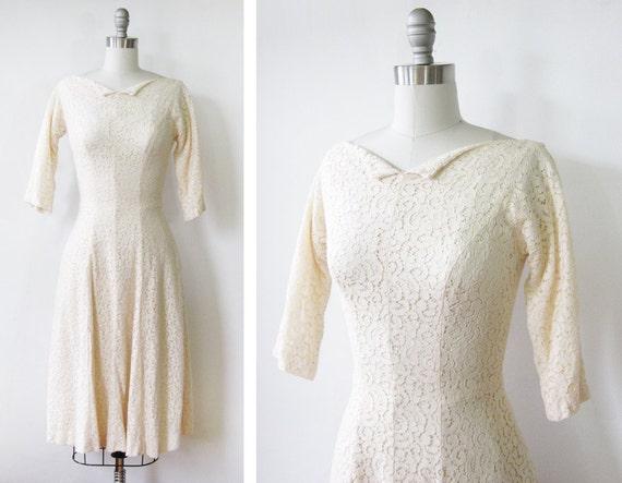 1960s lace dress / vintage cream lace dress /  vintage 1960s lace dress