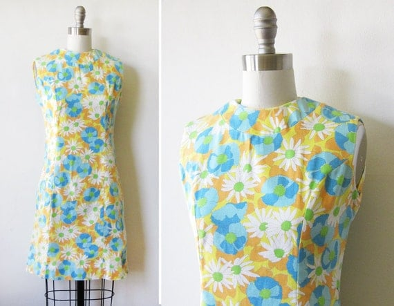 60s mod shift dress / 1960s floral scooter dress