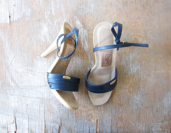 1970s Candie's sandals / 70s navy high heels / candie's for el greco