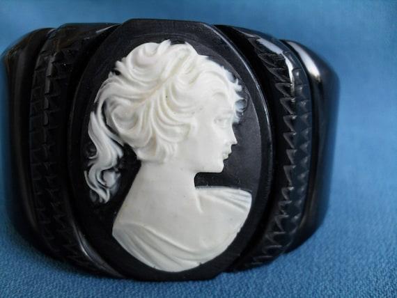 Vintage Black Bakelite Cameo Hinged Clamped Bracelet