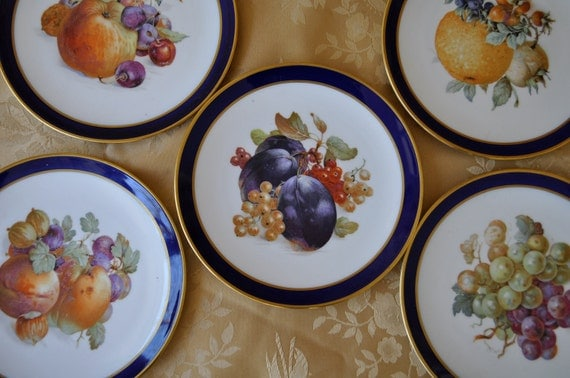 Beautiful Set of Vintage Bavarian Porcelain Fruit Plates