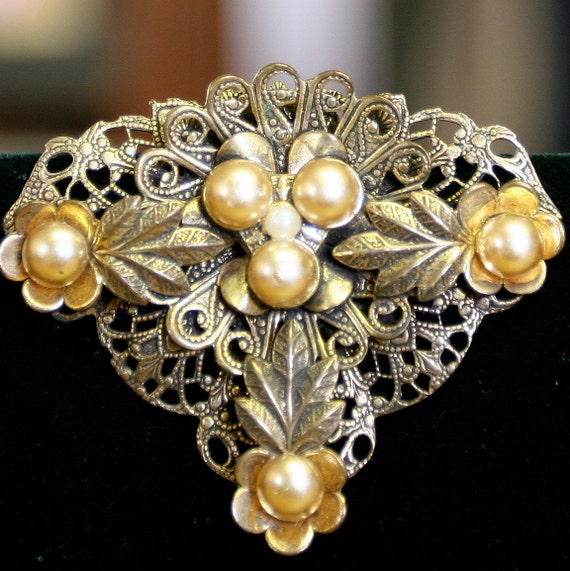 Vintage Dress Clip Pendant Gold Filigree and Faux pearls - Leaf Motif