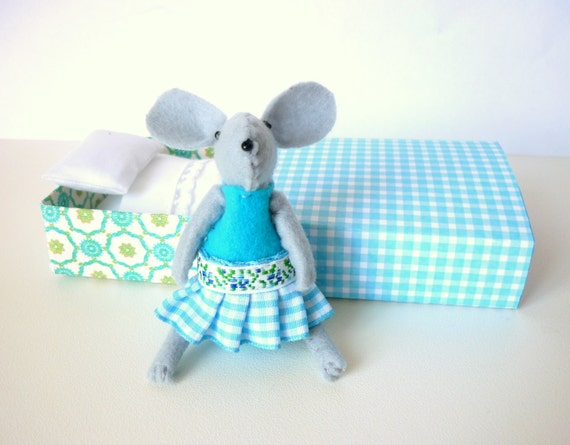 Blue Felt mouse in match box bed