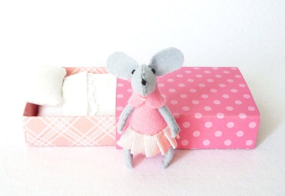 Pink Felt mouse in matchbox bed