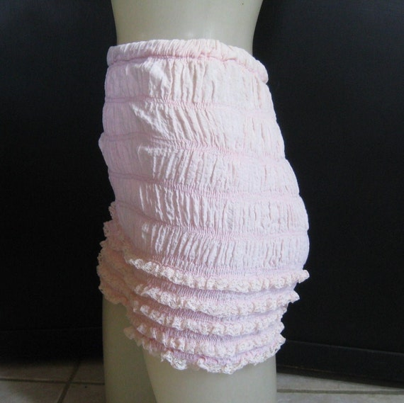 Vintage Pettipants Bloomers Knickers Ruffle Panties Lace Legs Pastel Pink Cotton 60s Small to Medium