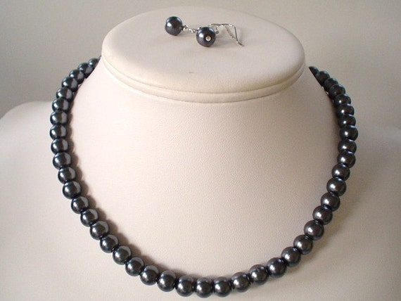 Single Strand Dark Charcoal Gray Pearl Beaded Necklace and Earring Set    Great Brides or Bridesmaid Gifts