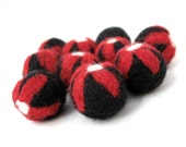 Felt Balls Black and Red Flower - 10 Pure Wool Beads 20mm -