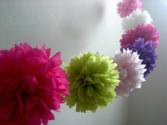 GARDEN ... diy tissue paper wedding garland // poms // wedding reception // birthday // party decorations