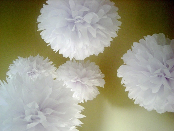 OPTIC WHITE ... 5 tissue paper poms // weddings // birthdays // party decorations // classroom // budget wedding // gender reveal