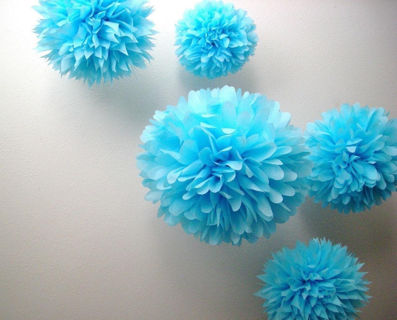 Dreamy blue 5 tissue paper pom poms wedding decorations for Pom pom room decor