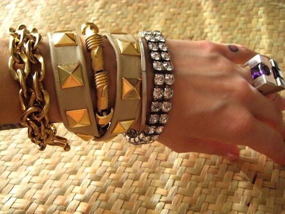 taupe twistee pyramid studded bracelet