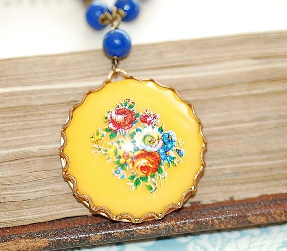 Free Shipping Vintage Sunny Yellow Hippie Chic Bohemian Cameo Flowers  Necklace Boho Beach Lapis Lazuli  Shabby Chic Brass Settings