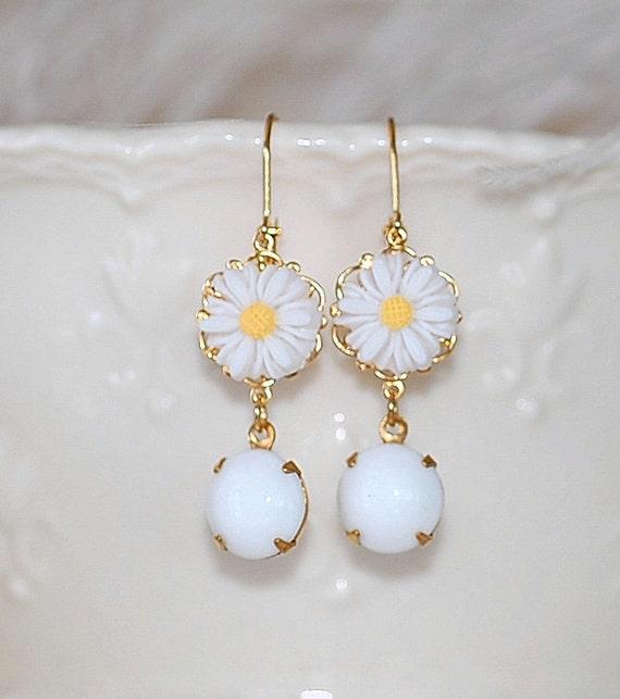 Daisy Earrings Dangle Drop  Blossom Shabby chic Girly Spring Summer GIft Retro 60's