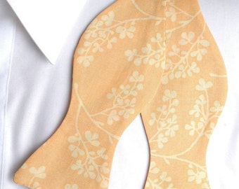 Subtle Yellow Floral on Yellow  Bow tie