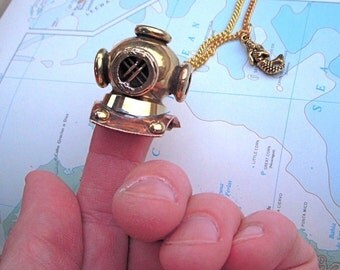 Steampunk Necklace Diving Bell Helmet Necklace Nautical Steampunk Jewelry Mermaid Charm Rustic Brass Vintage Inspired Gothic Victorian