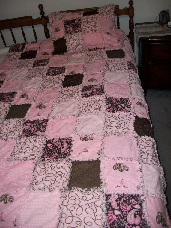 """John Deere Pink and Brown Rag Quilt, Twin Size 88x66"""" with sham"""